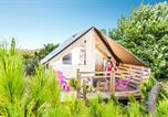 Camping avec Hébergements insolites Jard-sur-Mer - La Pomme de Pin-2