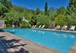 Camping avec Hébergements insolites Rayol-Canadel-sur-Mer - Les Cent Chênes-1