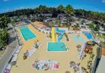 Camping avec Ambiance club Gironde - Les Embruns-1