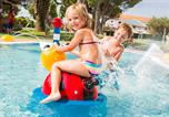 Camping avec Ambiance club Leucate - Les Medes-4