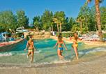 Camping avec Ambiance club Gruissan - Les Vagues-2