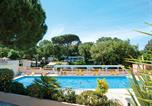 Camping avec Ambiance club Antibes - Parc Saint James - Montana-2