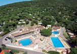 Camping avec Ambiance club Antibes - Parc Saint James - Montana-1