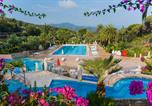 Camping  Acceptant les animaux Sorbo-Ocagnano - Village Rosselba Le Palme-1