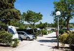 Camping avec Quartiers VIP / Premium Saint-Cyr-sur-Mer - Le Pascalounet-1