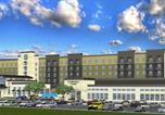 Hôtel Pleasanton - Embassy Suites San Antonio Brooks City Base Hotel & Spa-1