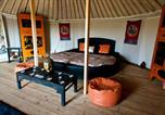 Camping York - Lincoln Yurts-3