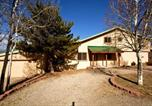 Location vacances Ruidoso Downs - Dancing Kokopellis Three-bedroom Holiday Home-2
