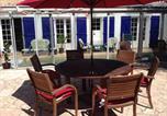 Hôtel La Mothe-Achard - La Tourelle Enchantee B&B Guest Room-3