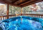 Location vacances Gatlinburg - Lazy Bear Lodge - Three Bedroom Home-4