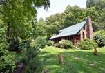 Location vacances Maggie Valley - Cherokee Creekside Cabin-1