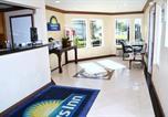 Hôtel Fountain Valley - Days Inn & Suites Fountain Valley / Huntington Beach-1