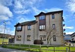 Location vacances Westhill - Town & Country Apartments - Kirkside Court-3