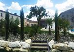 Location vacances Salignac-sur-Charente - Domaine Les Reigniers-1