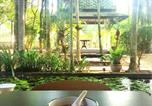 Hôtel Ratsada - Tak B&B (Thai Classical Style House)-1