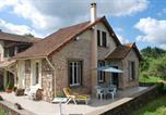 Location vacances Pouilly-sous-Charlieu - Gîte Des Sapins-1