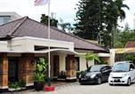 Location vacances Bandung - Magnolia Bed & Breakfast-1