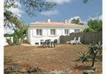 Location vacances Grues - Holiday Home La Tranche Sur Mer Boulevard De Lattre De Tassign-1