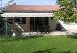 Location vacances Puy-Guillaume - Cottage Dan'hube-1