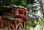 Location vacances Saint-Anthème - Cabanes et Yourtes de la Vallée de l'Ance-1