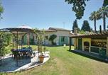 Location vacances Châteauneuf-Grasse - Three-Bedroom Holiday Home in Le Rouret-3
