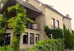 Location vacances Ouffet - Cote Jardin-1