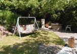 Location vacances Göd - Retro Wood House-3