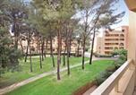 Location vacances Six-Fours-les-Plages - Apartment La Barde P-733-1