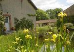Location vacances Lussac-les-Châteaux - Chez Tartaud-1