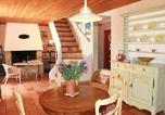 Location vacances Saint-Pierre-de-Vassols - Holiday Home Crillon le Brave with a Fireplace 01-2