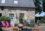 Location vacances Plusquellec - Le Gite Au Manoir-1
