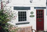 Location vacances Kirkbymoorside - Fuchsia Cottage-1