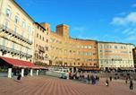 Location vacances Sienne - Piazza Del Campo-1