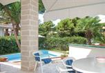 Location vacances Baia Domizia - Holiday home Via Dell'Erica I-4