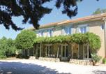 Location vacances Carpentras - Studio Holiday Home in Pernes les Fontaines-1