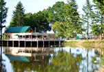 Camping en Bord de lac Les Andelys - Village Huttopia Senonches-1