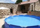Location vacances Vila de Cruces - Albergue Turístico Trasfontao-4