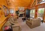 Location vacances Pigeon Forge - Harrisons Hideout by Sugar Maple Cabins-4