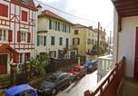 Location vacances  Pyrénées-Atlantiques - Apartment Biarritz 2-3