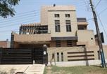 Location vacances Lahore - Continental Apartments Gcp society-1
