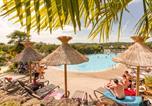 Camping avec Parc aquatique / toboggans Saint-Avit-de-Vialard - Camping La Linotte-1