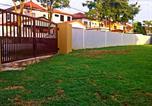 Location vacances Seri Kembangan - Seri Kembangan Greenery Double Sty Corner Gathering House-2