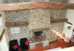 Location vacances Fleury - Holiday Home Hambye with a Fireplace 03-2