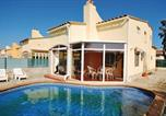 Location vacances Sant Pere Pescador - Four-Bedroom Holiday home 0 in Sant Pere Pescador-2