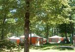 Camping avec Site nature Salles-Curan - Campéole Notre Dame d'Aures-2