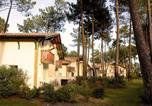 Location vacances Sanguinet - Les Villas Des Greens Du Bassin 8p-3