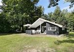 Hôtel Hundested - Four-Bedroom Holiday home in Melby-1