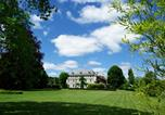 Location vacances Beaulieu - Chateau de Savennes - Caveau de sabrage-1