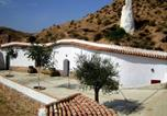 Location vacances Cortes y Graena - Holiday home Casa Cueva Lopera 1-4