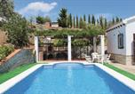 Location vacances Canillas de Albaida - Holiday Home Canillas de Albaida with a Fireplace 07-3